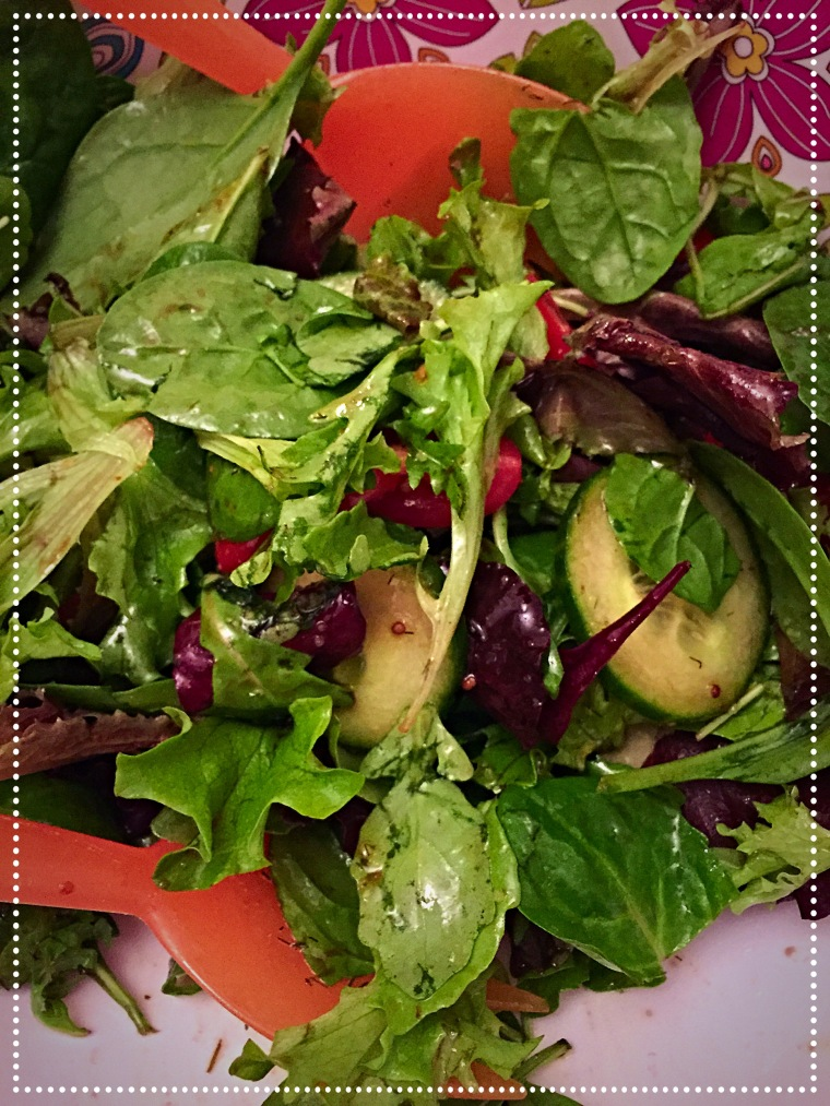 Mixed green leaf salad