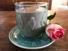 Chocolate, Avocado, Raspberry & Hazelnut Milk Paleo Smoothie Recipe